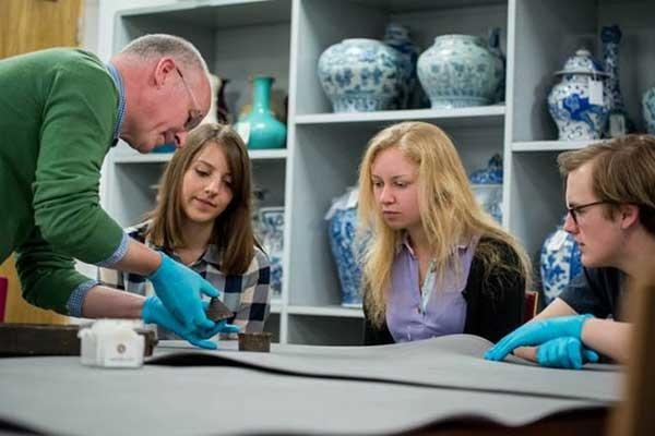 Teacher and students learning via collections based teaching