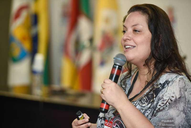 Melissa Guerra Simoes Pires, Director, PUCRS Science and Technology Museum, presenting at Connecting Museums conference at PUCRS, Porto Alegre, Brazil