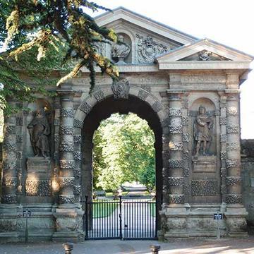 Entrance Arch at the Botanic Garden
