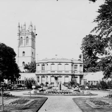 Black & white photo from 1871 of main buildings in the Botanic Garden